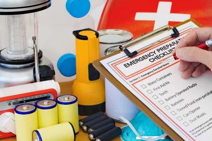 Emergency Preparedness Checklist and Kit